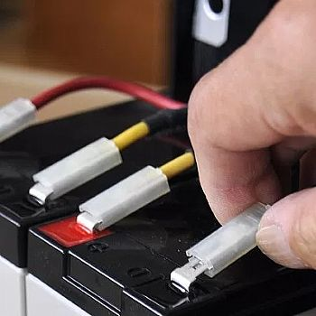 Trocar bateria do nobreak APC SUA1500 itemprop=